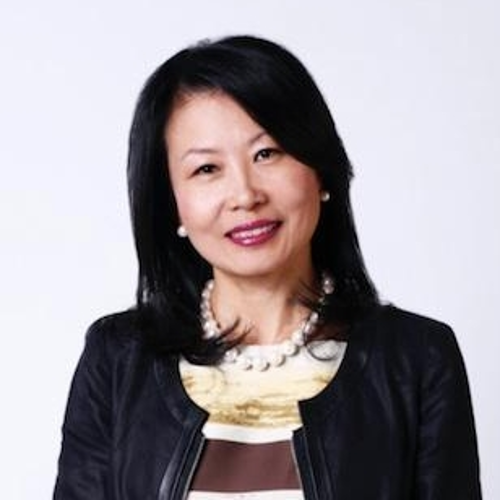 Su Cheng Harris-Simpson (Board of Governor of AmCham China, Founder and CEO of SCHSAsia)